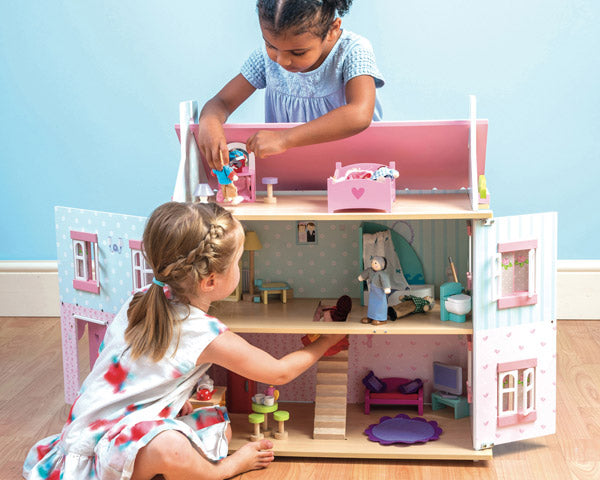 dolls house play