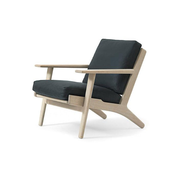 GE 290 Easy Chair