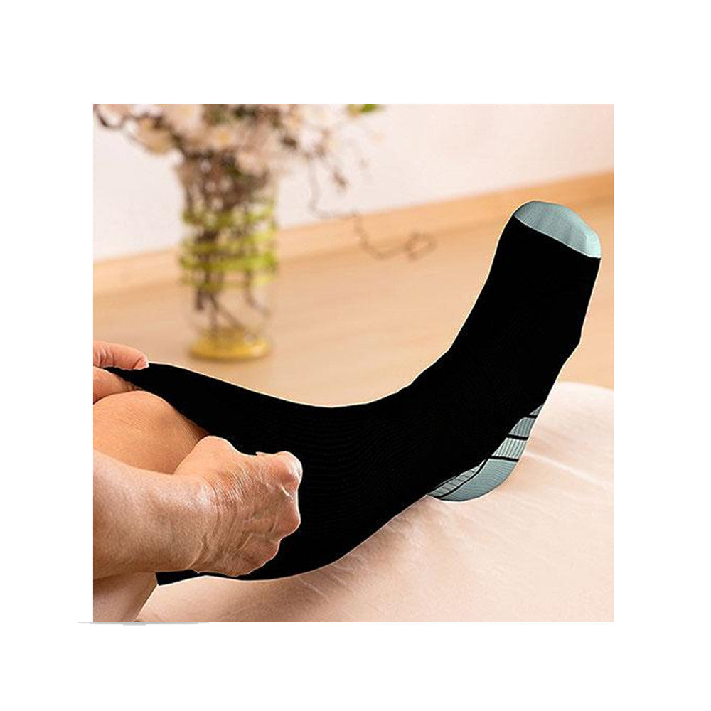 Unisex Compression Support Knee Length Socks 3-Pairs  + Free 5 Disposable Mask