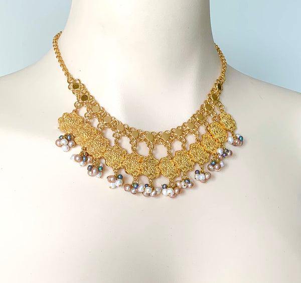 STATEMENT HANDMADE PEARL GOLD NECKLACE