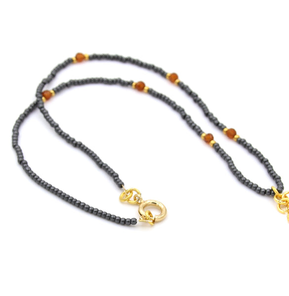 DELICATE PEARL AND HEMATITE GEMSTONE GOLD HANDMADE NECKLACE