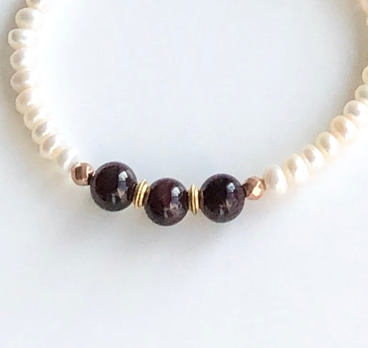 GARNET AND PEARL BRACELET SET