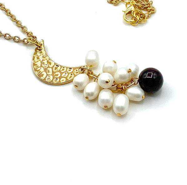 GARNET GEMSTONE PEARL AND GOLD MOON DELICATE HANDMADE NECKLACE