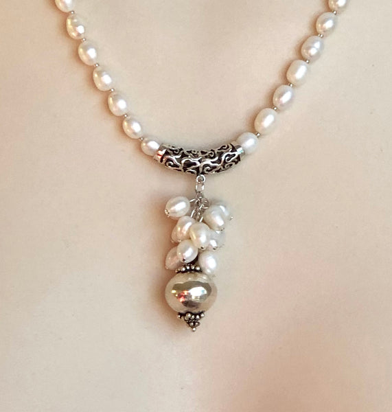 PEARL CLUSTER PENDANT NECKLACE