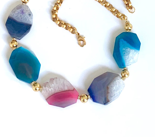 COLOURFUL AGATE GOLD STATEMENT NECKLACE