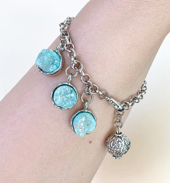 RAW BLUE QUARTZ SILVER BRACELET