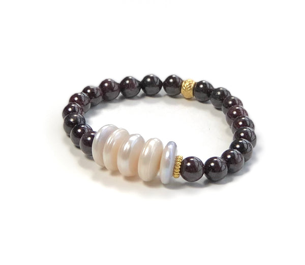 LARGE PEARL AND GARNET HANDMADE STRETCH GOLD BRACELET