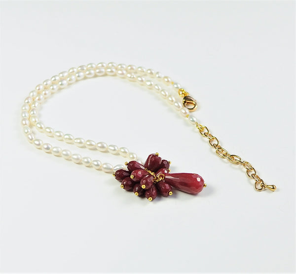 RED JADE AND PEARL NECKLACE