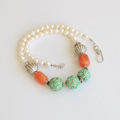 GREEN TURQUOISE AND PEARL NECKLACE