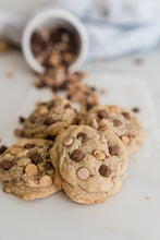 Load image into Gallery viewer, PBCC (Peanut Butter Cookies with Sea Salt Caramel & Milk Chocolate) - Mini Size