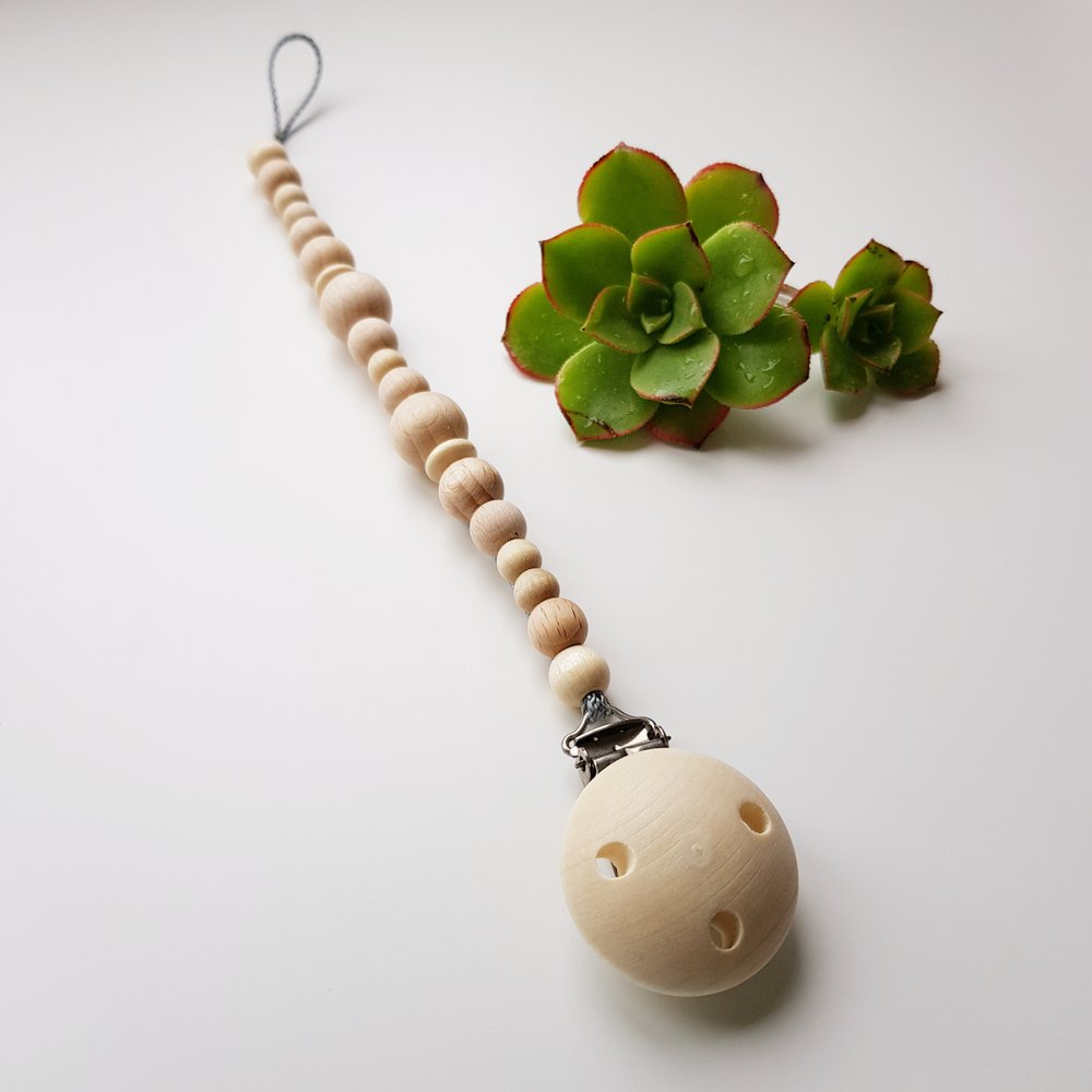 Natural Wooden Pacifier Clip/Dummy Chain by BabyWorx
