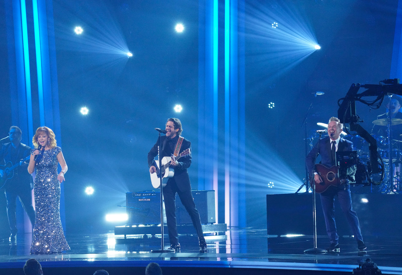 Chris Tomlin Performs on CMA Awards with Reba McEntire and Thomas Rhett