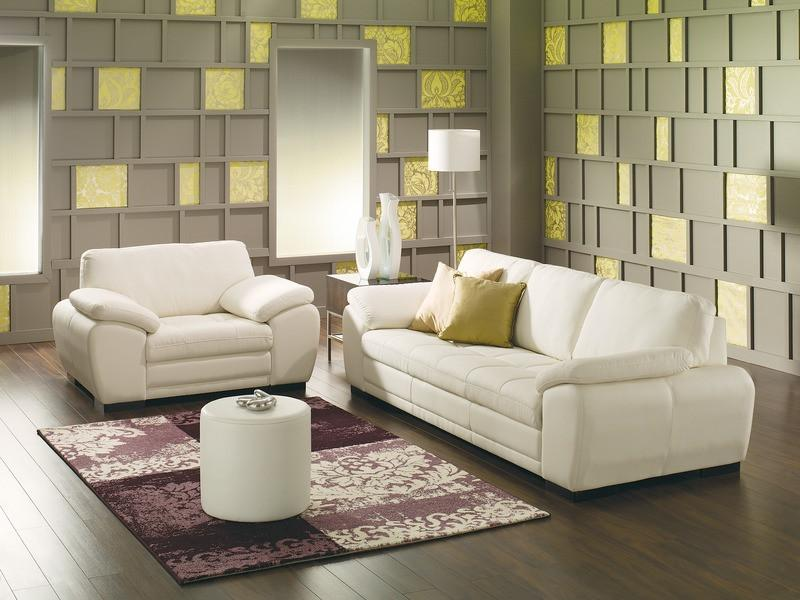 Miami - example living room w/ 3 cushion sofa and Large chair
