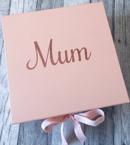 A pretty personalised rose gold gift box. A thoughtful and unique gift that everybody will love. Fill with goodies for your friend, family or loved one. Pretty in pink storage box.