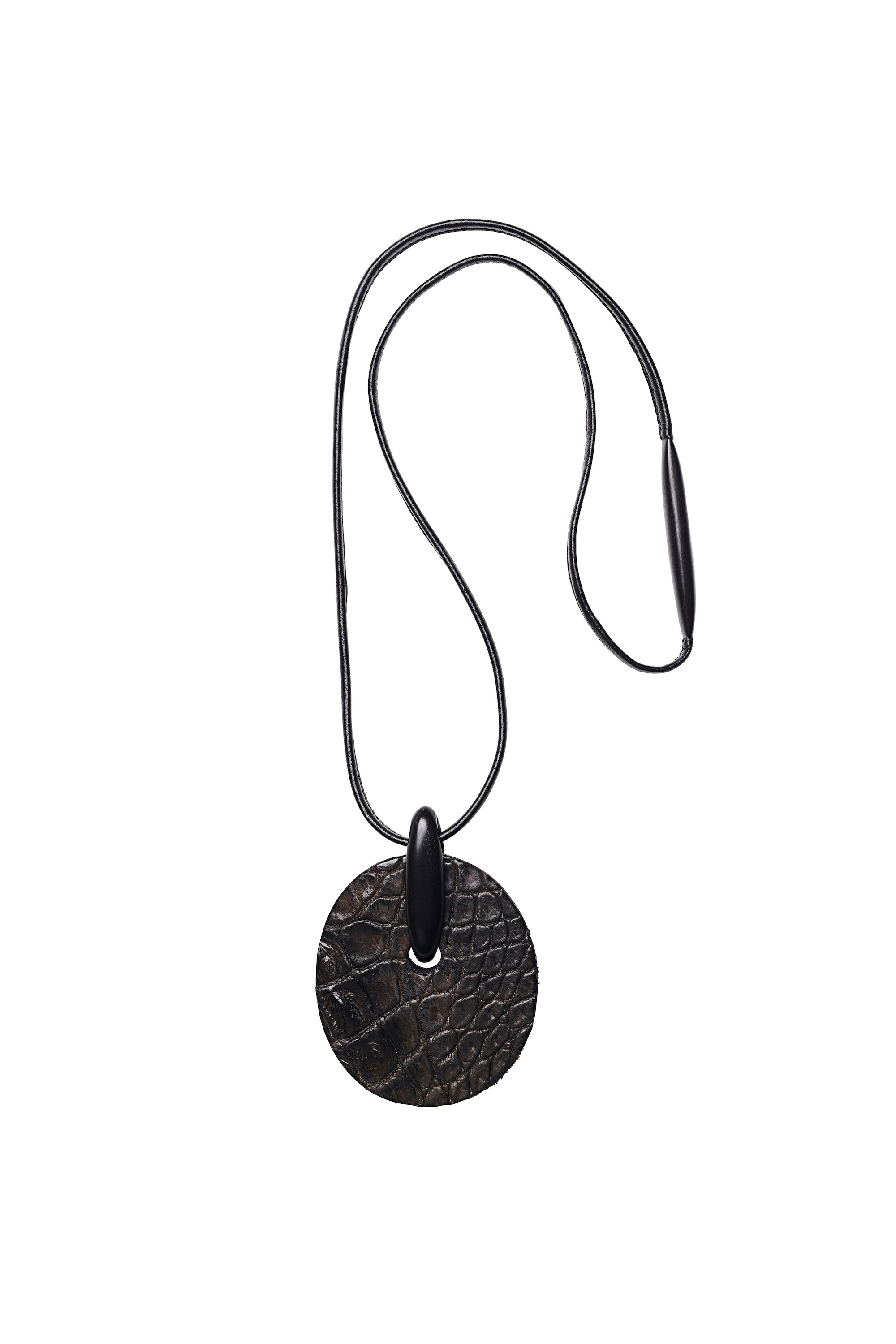 Pendant in ebony and crocodile leather