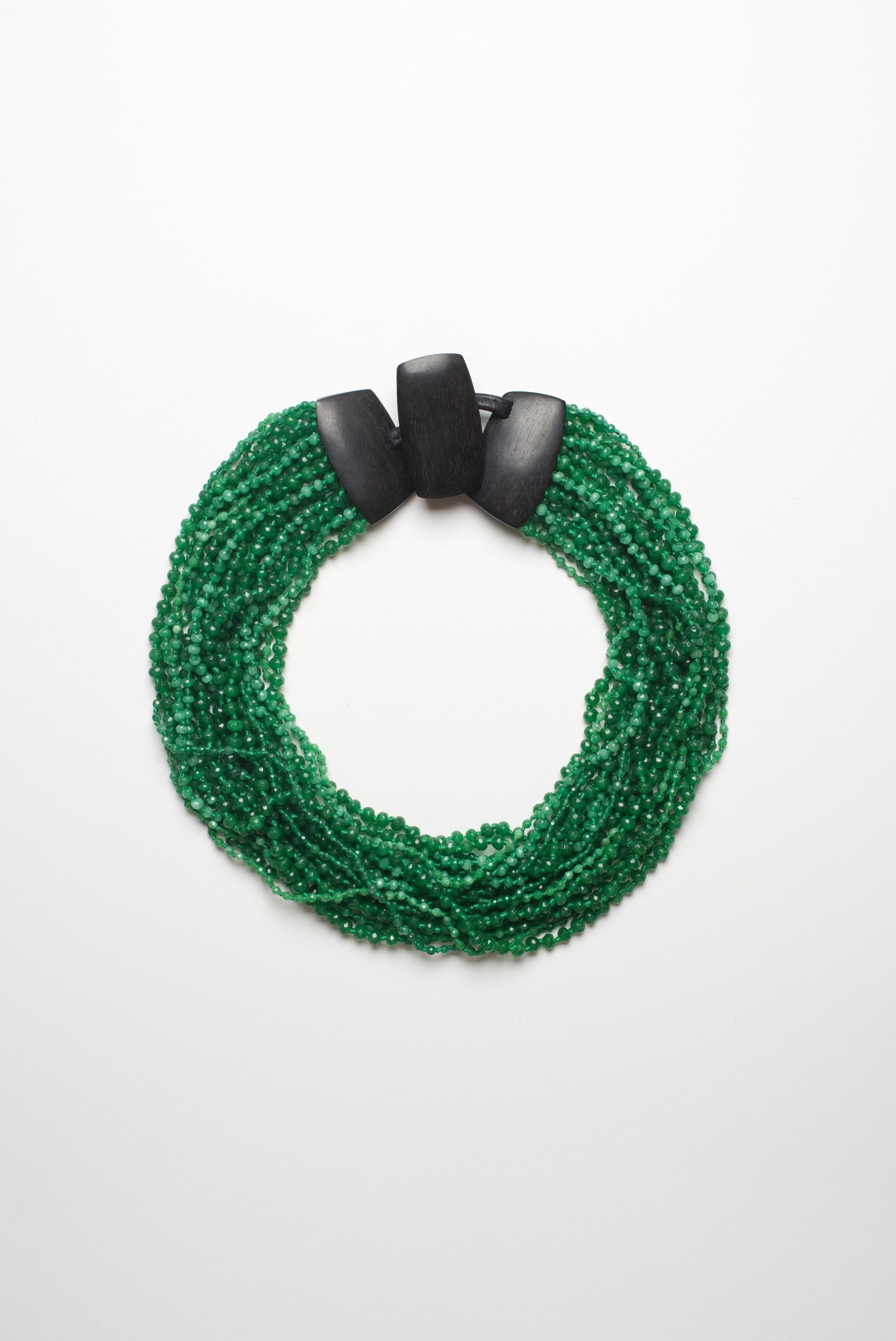 Necklace in aventurine, ebony and leather