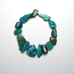 Necklace in Chrysopras, chrysocolla, malakit and turquoise