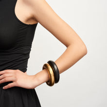 Load image into Gallery viewer, Samara bracelet in ebony and gold foil