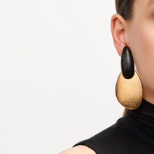 Load image into Gallery viewer, Earring in ebony and gold foil