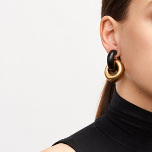 Chain earrings in ebony and gold foil