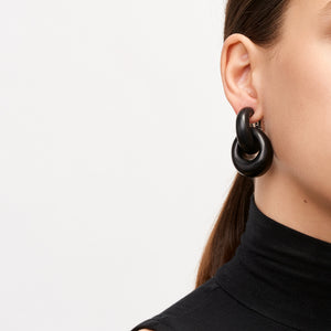 Chain earrings in ebony