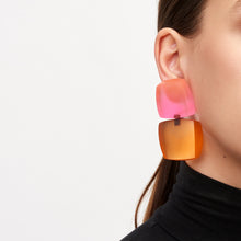 Load image into Gallery viewer, Earrings in coloured resin