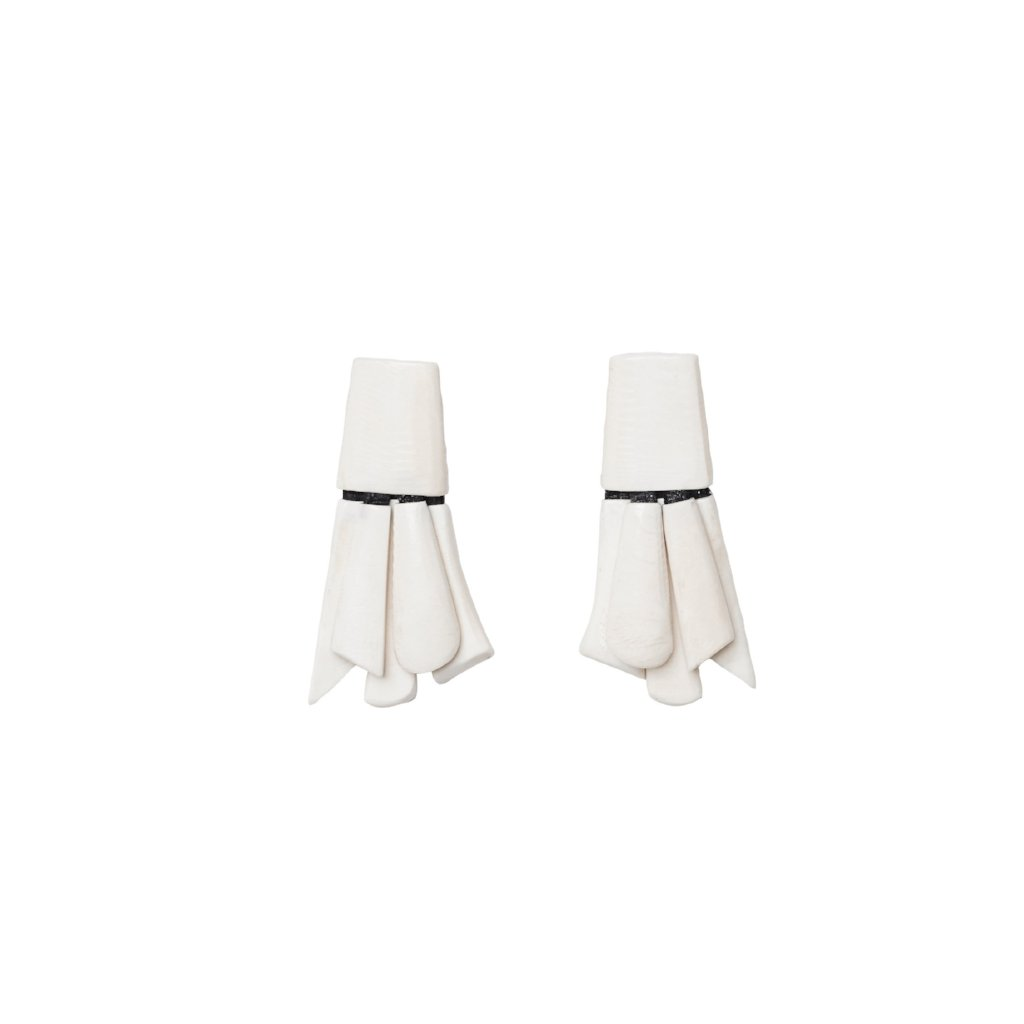 Earrings in white bone
