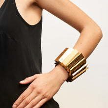 Load image into Gallery viewer, Ravenna bracelet in acacia and goldfoil
