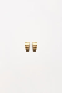 Sassari earclips in acacia and goldfoil