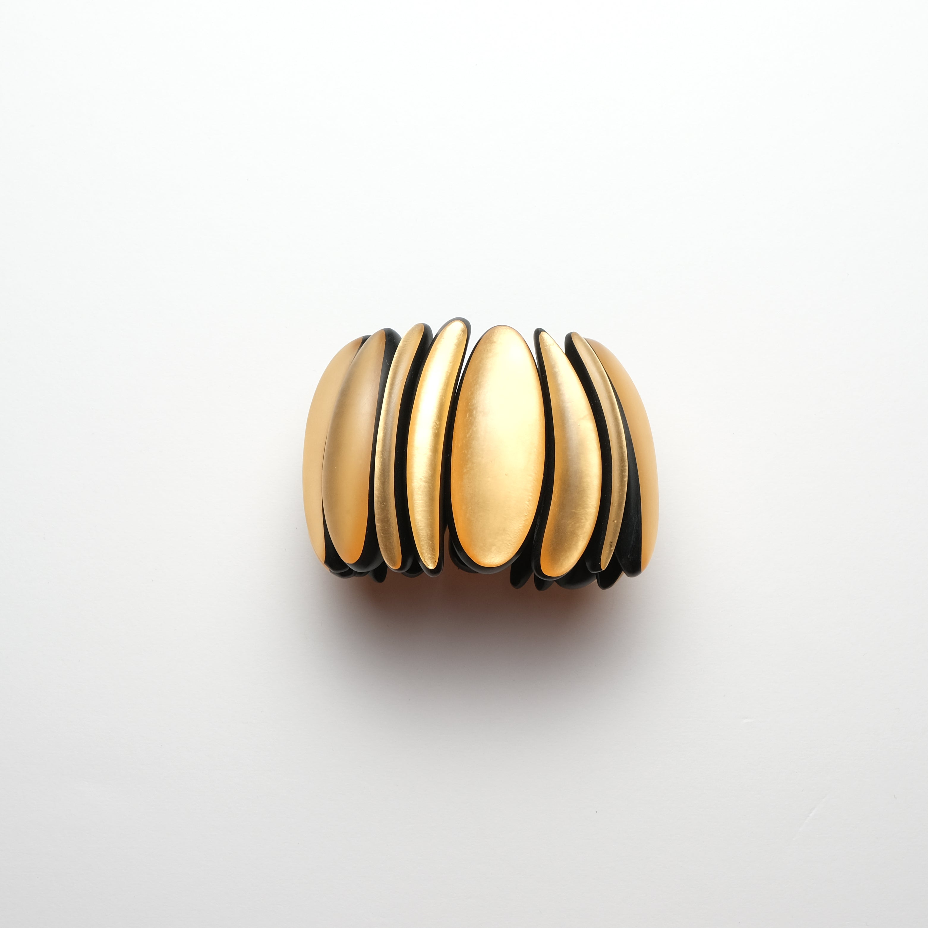 Bracelet in gold polyester