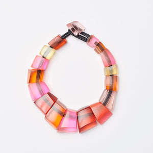 Necklace in coloured resin