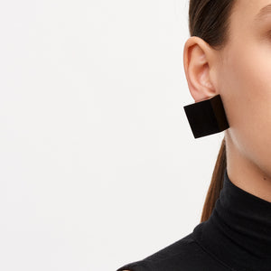 Earrings in black polyester