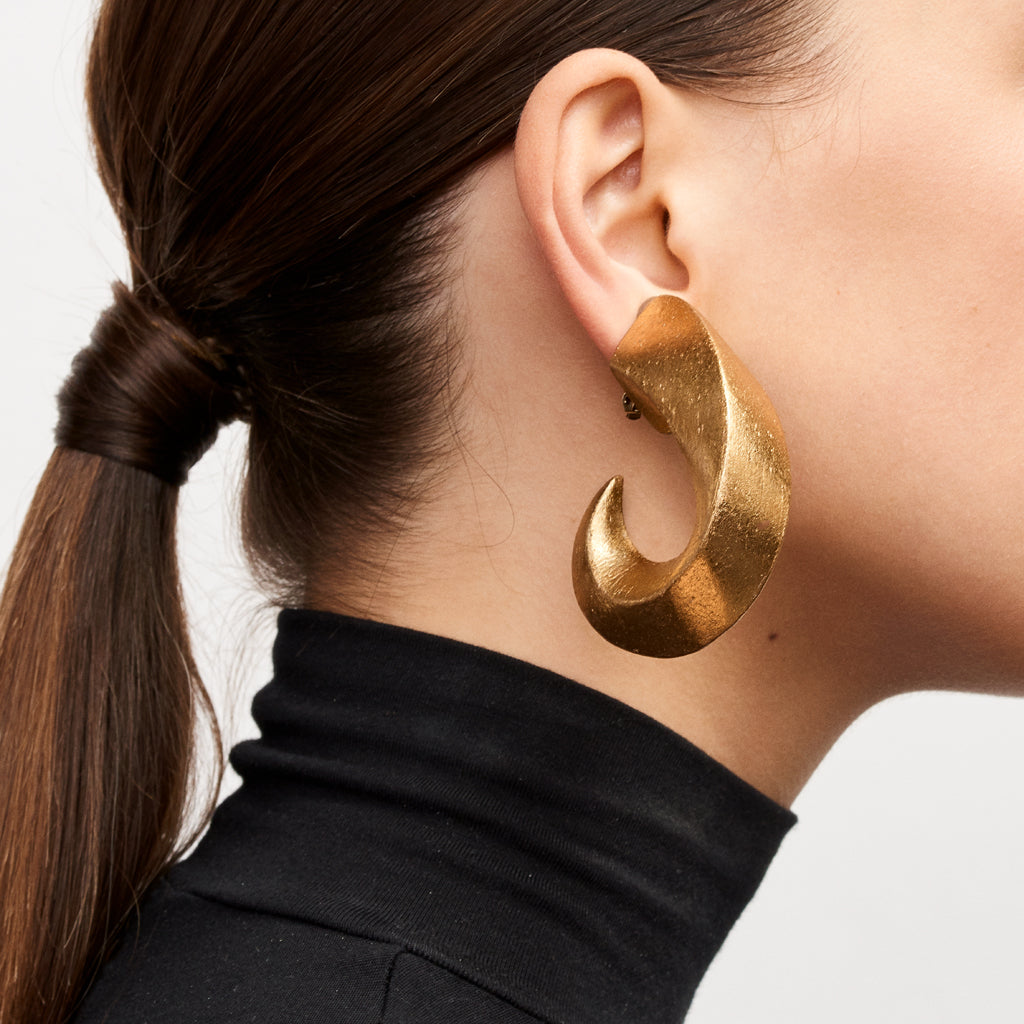 Rebecca earring in acacia and gold foil