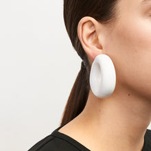 Load image into Gallery viewer, Bergamon earclips in polyester