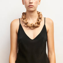 Load image into Gallery viewer, Arezzo necklace in acacia