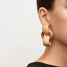 Load image into Gallery viewer, Piacenza earclips in acacia