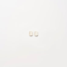Load image into Gallery viewer, Earring in white bone