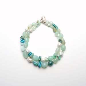 Necklace in chrysoprase and pearls