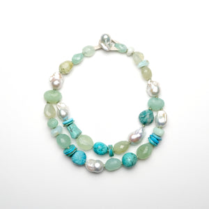 Necklace pearls and turquoise