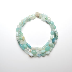 Necklace in aquamarine and prehnite
