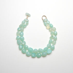 Necklace in prehnite