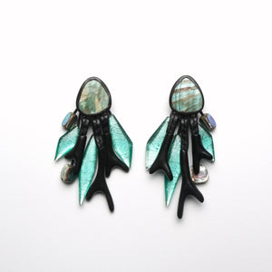 Earrings in abelone, copper, ebony and polyester