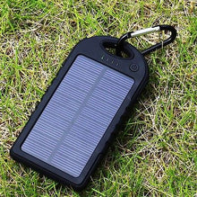 Load image into Gallery viewer, 5000 mah Dual-USB Waterproof Solar Power Bank Battery Charger for Cell Phone
