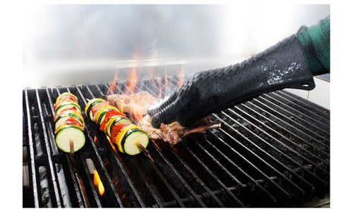 TWO Barbecue Heat Resistant Silicone Gloves