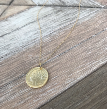 95763cb22ccb The Lexi Medallion Necklace – L & F Clothing Co.