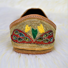 Mor - Golden Jutti with beautifully carved Mor (Peacock) Jutti