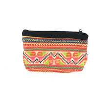 Load image into Gallery viewer, Vintage Hmong Change Purse