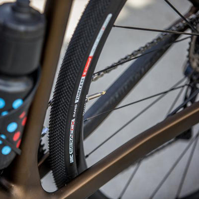 IRC SERAC CX SAND TUBELESS 32