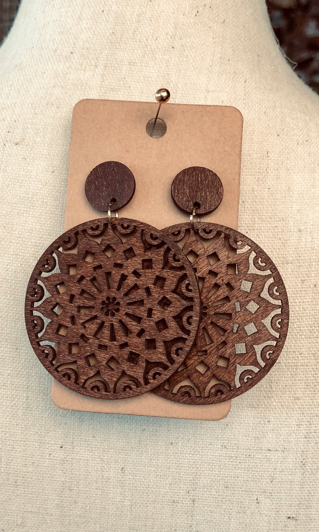 Wooden Round Filigree