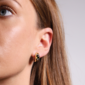 TI SENTO - Milano Earrings 7805TB in use